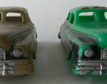 Vintage Hubbley Kiddie Toy Pair of Plastic Cars from Diz Has Neat Stuff