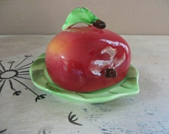 NBU Lefton Apple Butter Dish Lefton Covered Plate Kitsch Butter Dish Vintage Butter Dish Apple on Leaf Retro Kitchen Red Kitchen