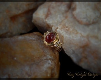 Intense Natural Oregon Sunstone ring - 18K yellow gold