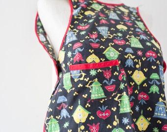 Vintage Apron - Apron Top Vintage Kitchen Button Knit Style Country Bright Colors Flowers Teapot