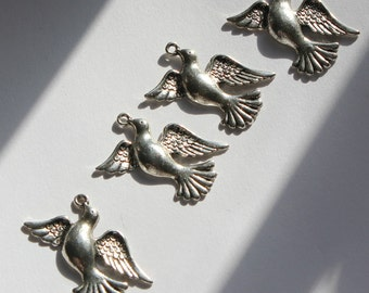 4 Silver Dove Charm for jewelry designs