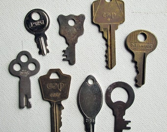 Vintage/Antique Flat Keys Set of 8 Steampunk Supply Jewelry/Craft Supply