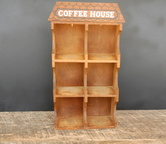 bo te de rangement mural cuisine bois vintage tasse caf. Black Bedroom Furniture Sets. Home Design Ideas