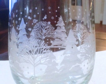 BEAUTIFUL, Nicely Weighted, Gold Rimmed, Drinking GLASS, ETCHED with Winter Wonderland Scene.