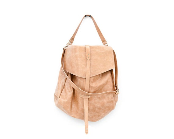 Fashion Handbag in Light Camel Brown, Extra Large Hobo Handbag Perfect for Everyday Use, Fine Leather Oversized Over the Shoulder Purse