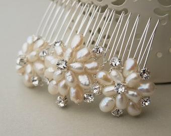 Emily Pearl Bridal Hair Comb Floral Handmade Pearl Flower Wedding Accessories Bridesmaid Hair Clip Swarovski Rhinestones Vintage Style Pin