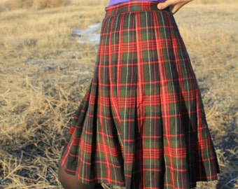 School Girl - 60s 70s Vintage Wool Pleated Plaid Flirty Knee High Skirt, Cherry Red Forest Green, Small