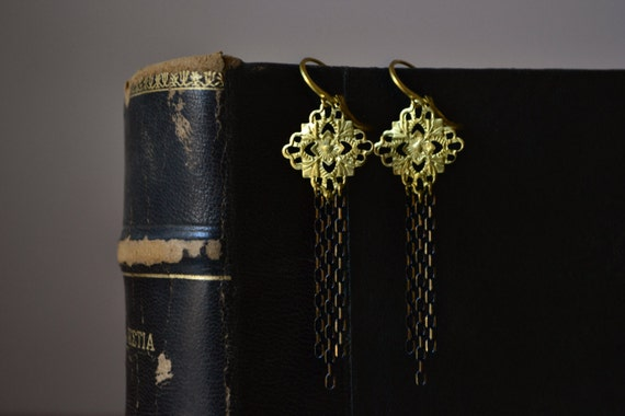 Art Deco Earrings, Art Deco Jewelry,  Black and Gold Chain Earrings with Raw Brass Filigree, Great Gatsby Jewelry