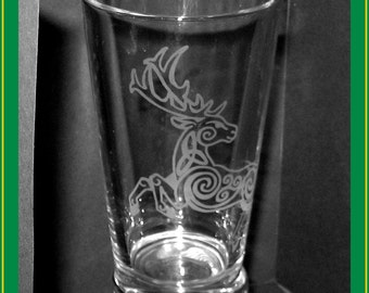 Celtic Knotwork Stag drinking glass - ornate deer - etched pint