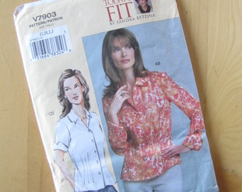 Uncut Vogue 7903 Sewing Pattern - Misses Petite Shirt - Size G - J