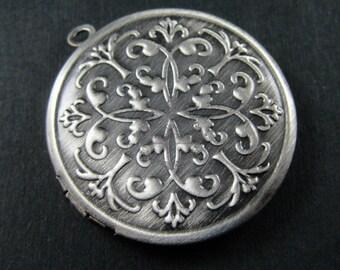 5pcs 32mm round brass antiqued silver vintage engraved photo locket,retro photolocket 1113010