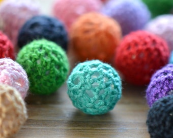10 Crocheted Beads Round Mixture of colors Beads 16mm in diameter 2mm hole