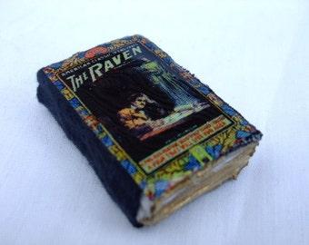 Edgar Allan Poe The Raven Mini Book