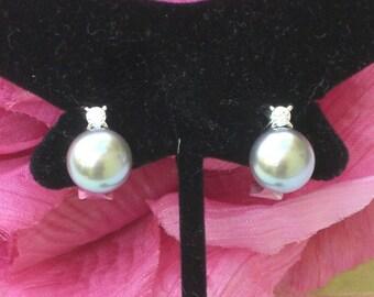 Earrings - Pearls - Silver Grey - Vintage