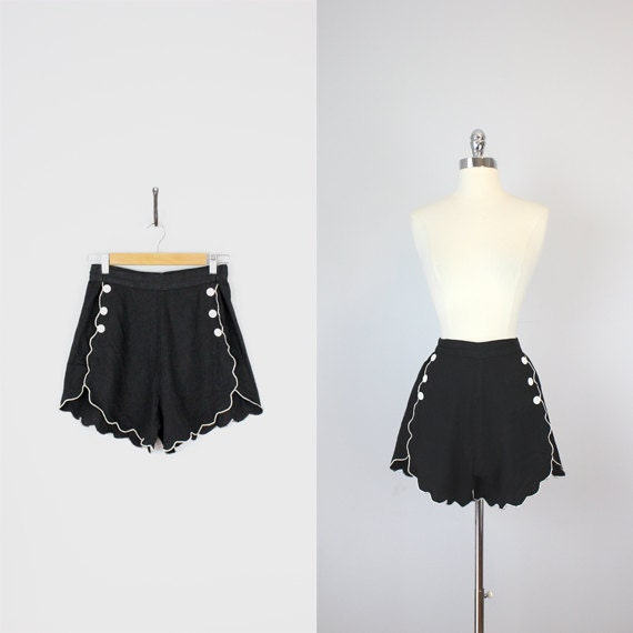 vintage 50s high waisted shorts / 1950s shorts / high waisted pin up shorts / black cotton shorts