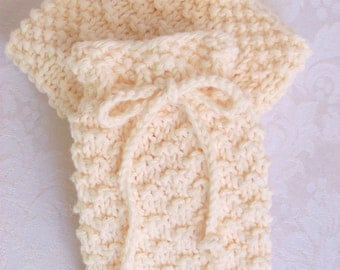 Hand Knit Soap Saver with Matching Face Cloth, Spa Cloth, Wash Cloth in Soft Ecru Cotton Yarn