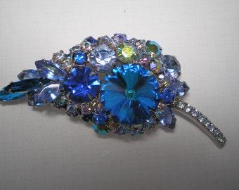 D&E aka Juliana Blue Rivoli Brooch   Item No: 16609