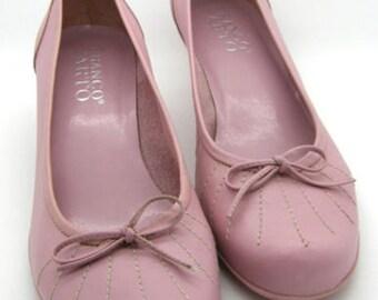 Lovely Vintage Franco Sarto Pink Leather Low Heel Pumps - Size 7m