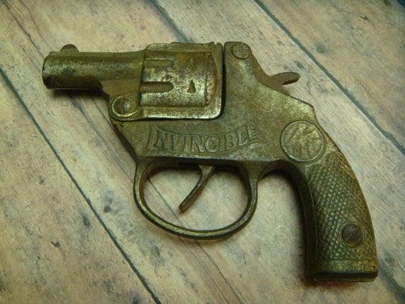 Kilgore Toy Cap Gun Invincible Cast Iron Pistol 1914