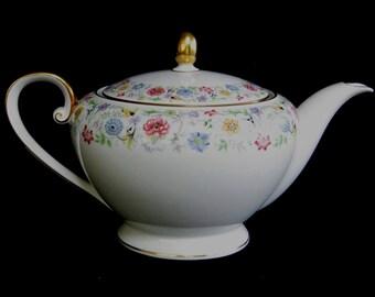 Tirschenreuth PASCO Williamsburg 3426 Floral China Teapot Mint Condition