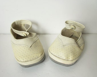 Vintage french baby shoes - Mid century