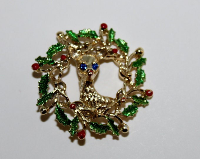 Vintage Gerry's Gold-Tone Christmas Wreath with Baby Deer in the middle, Christmas Brooch