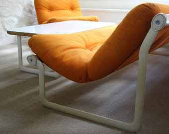 Knoll Hannah and Morrison 70s Sofa - Orange Wool Upholstery Sling Sofa