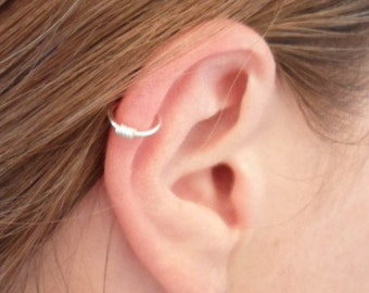 Simple loop Ear cuff, Silver PLATED. Tragus, nose, Lip. Cartilage. No Pierced ear cuff. Fake piercing.