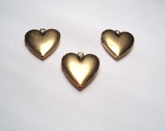 3 pcs - Plain 18mm brass Heart lockets- m278