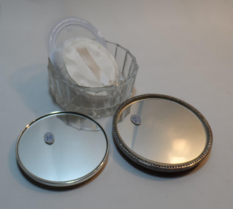 Charles Of The Ritz Perfume likewise 4459467 together with Vintage Vanity Tray Glass Powder Jar also Daab9514f9184e246cd3e8f30c489bdd as well Chloe Perfumes In La. on oscar de la renta perfume and powder