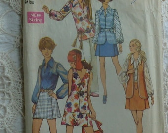 vintage 1970s Simplicity sewing pattern 8694 mini pant skirt blouse and vest