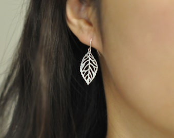Silver Leaf earrings, everyday earrings, modern look, bridesmaid earrings, silver leaf earrings, jewel mango