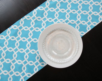 Modern Table Runner in Aqua & White Gotcha / Home, Event, Party, Shower, Wedding