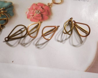 14 Brass Teardrop Cages