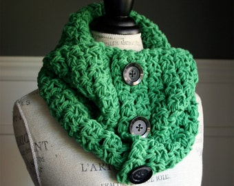 Kelly Green Cowl Scarf with 3 black buttons, crocheted