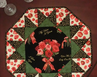 Quilted pattern Table Topper Very Easy. Sunburst Pattern.