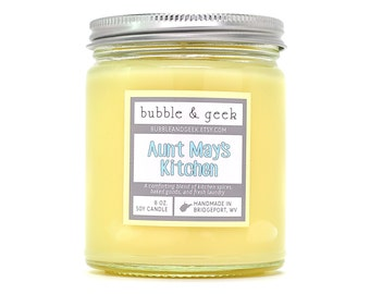 Aunt May's Kitchen Scented Soy Candle - spices, baked goods, clean laundry