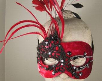Masquerade Mask Red//Masquerade Ball Mask//Masquerade//Halloween Masquerade Mask//Mask//Velvet Masquerade Mask