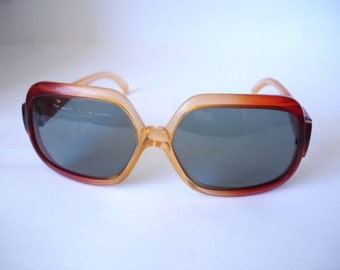 Wow - Vintage Showtime Cool Ray  Women's Sunglasses - See our huge collection of vintage eyewear