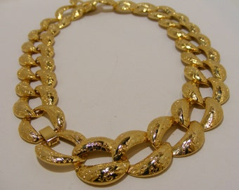 Vintage GOREGOUS Chunky Gold Tone Chain Link Necklace