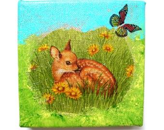 Le Petit Faon et le Papillon tableau collage sur toile en lin 12 x 12 cm.