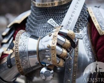 "20% DISCOUNT! Medieval Armor Gauntlet ""King's Guard"" for Steve"