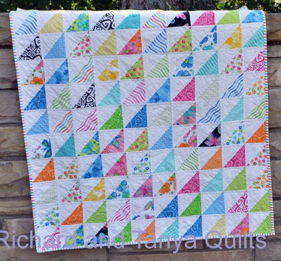 Baby Quilt Patterns With Triangles : Half Square Triangle Crib Quilt Pattern for 40 by 40 inch baby