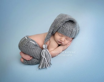 Newborn baby girl or boy hand knitted pants and Elf night Cap hat set for Photography Props