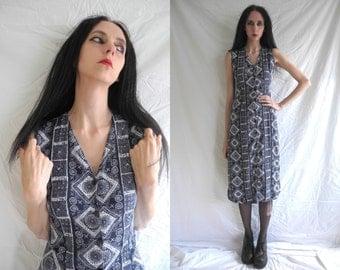 90's/Grunge dark blue and white aztec print sleeveless maxi dress.
