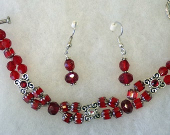 Handmade - Bracelet and Earrings, made with sliders and glass beads