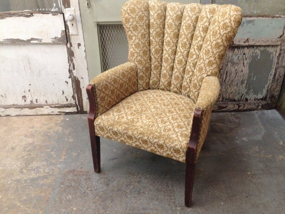 Id F 864621 likewise Vintage Channel Back Chair Upholstered furthermore 4 LS Malaysia additionally Id F 1182614 additionally File Barhocker barkruk. on vintage barrel back chair