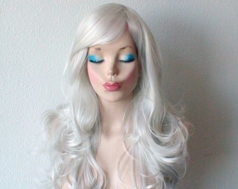 Silver wig. Gray color Long curly hair long side bangs Durable heat resistant synthetic wig for Cosplay or Daily use.