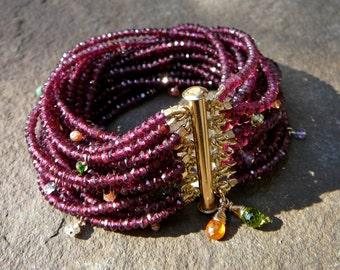 Rhodolite Garnet, Red Garnet Bracelet, Garnet Jewelry, Sunstone, Garnet Jewellery, Garnet Gemstone, Garnet Bracelet, Gemstone Bracelet