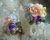 Vintage Sea Shell Screw Back Earrings